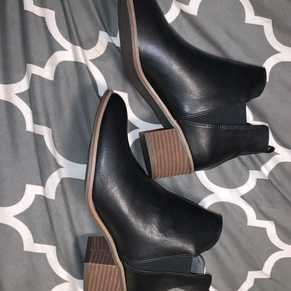 Black Dr. Scholls Booties